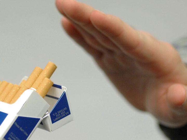 Cai thuốc lá bằng thuốc lá điện tử chỉ trong 15 ngày